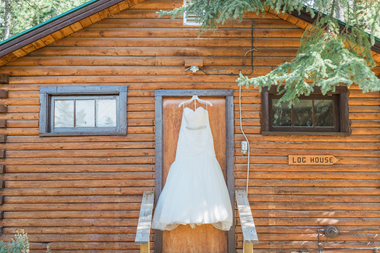 goldeye-center-nordegg-rocky-mountain-wedding-courtney-aaron-moritz-emilie-photography